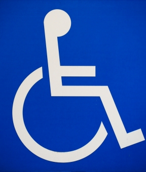 情報 サイン 障害 高齢者 白 青 ブルー ホワイト 標識 バックグラウンド マーク 青色 白色 看板 壁紙 画 車椅子 福祉 鮮やか 記号 印 標示 目立つ 共通 世界共通 わかりやすい ピクトグラム 障害者 バックグランド グラフィックデザイン 挿画 助言 何人もありません 車椅子マーク 国際シンボルマーク ケガ人