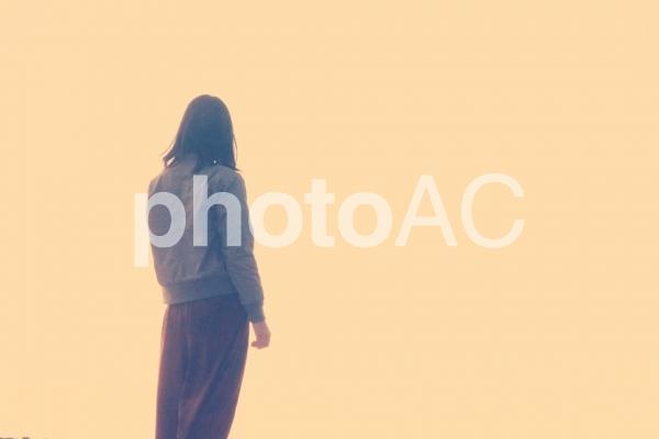 黄昏る女の子の写真