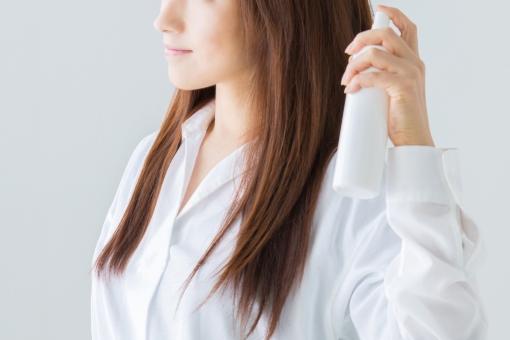 「髪にスプレー フリー画像」の画像検索結果