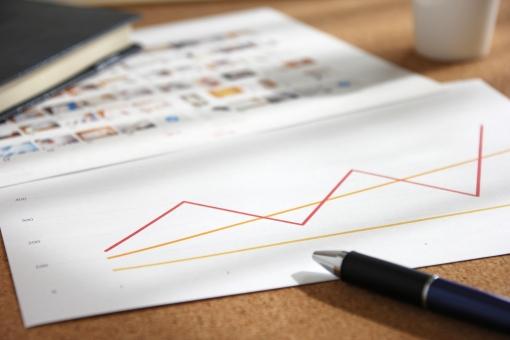 資料 プレゼン プレゼン資料 提案 提案資料 効果 メリット デメリット グラフ 折線グラフ サムネイル 写真 画像 会議 打ち合わせ ミーティング プラン 計画 予定 方向性 見込み 予測 調査 集計 作業 仕事 業務 実務 企画 営業