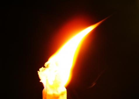 赤 コピースペース 素材 背景 黒 黄 黒背景 オレンジ色 バックグラウンド 火 燃やす 炎 燃える 暗闇 テクスチャー 焼く ろうそく テクスチャ 黒バック ファイヤー 火炎