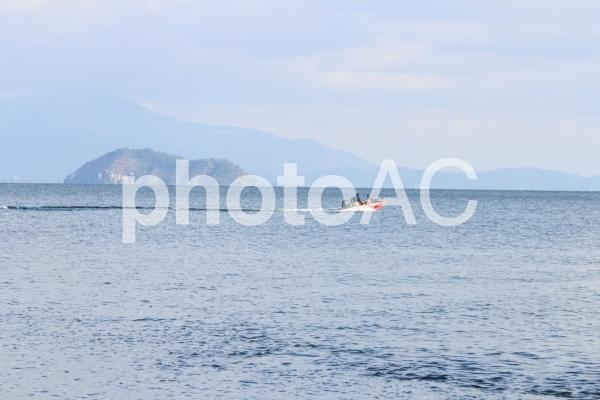 琵琶湖の湖岸からの写真