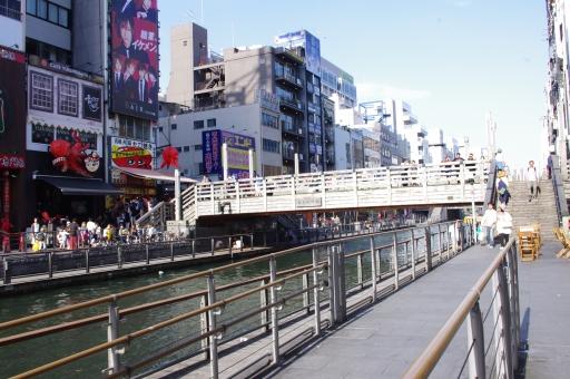 大阪 町並み 街並み 道頓堀 賑やか 川 夏 春 背景