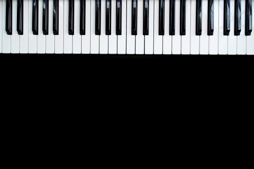 ピアノ 電子オルガン 鍵盤 けんばん キーボード ピアニカ 演奏 発表会 音楽会 メロディ 伴奏 ぴあの 楽器