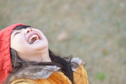 「大笑いしている子供 フリー画像」の画像検索結果