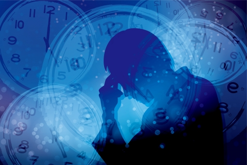 時間 締切 不眠症 締め切り 男性 パニック イライラ いらいら 焦り 精神的 重圧 心配 不安 フラストレーション 追いつめられる 時計 シルエット 制限時間 タイムリミット 混乱 悩む 悩み いそがしい 忙しい 慌ただしい 寝不足 睡眠不足 繁忙 限界 多忙