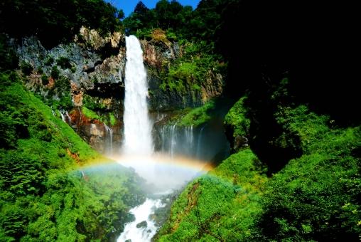 栃木県 日光市 奥日光 華厳の滝 滝 維持 虹 新緑