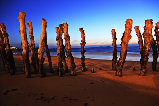 外国 リゾート 観光地  フランス  仏蘭西 砂浜 砂丘 ピラ砂丘 夕景  新世界 異世界  始まり スタート 終わり エンド 未来 過去 砂 大地 海 海岸  輝き 穏やか 安堵 静か