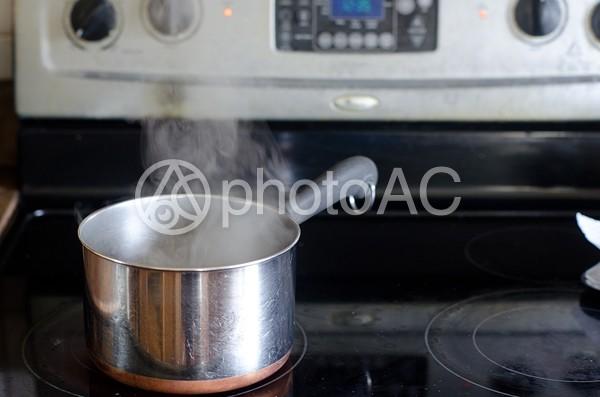 鍋とコンロ1の写真