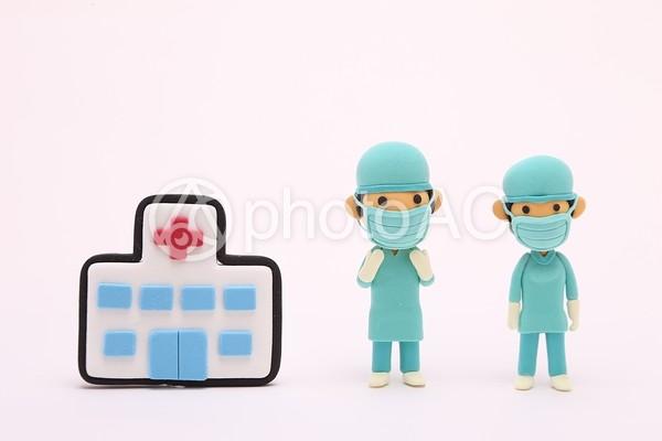 粘土人形 手術する医者7の写真