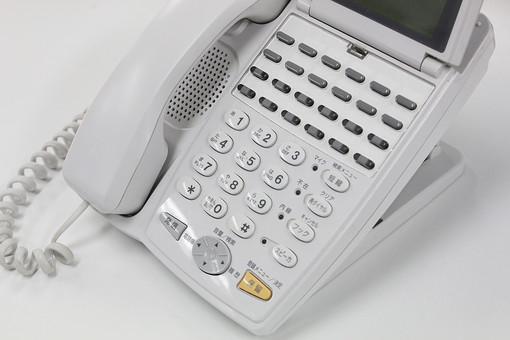 電話 パソコン  ボタン 白 オフィス 受話器 情報 ビジネス ビジネスホン 電話機 数字 ボタン 番号 事務 事務処理 office 会社 仕事 作業 勤務 働く Job 秘書 営業 着信