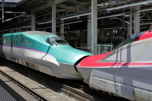 秋田新幹線の写真素材 写真素材なら 写真ac 無料 フリー ダウンロードok