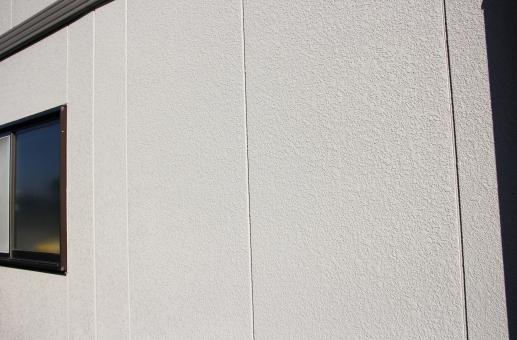 リフォーム 住宅 家 住まい 外壁 塗装 外壁塗装 壁 ウォール 業者 リフォーム会社 会社 工務店 耐久性 台風 雨 劣化 築年数 老朽化 トラブル 工事 価格 料金 詐欺 悪徳業者 施工 ビジネス 予算 工期 面積
