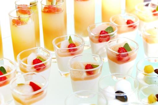 デザート スイーツ ビュッフェ バイキング 食べ放題 ドリンク ケーキ オレンジ パーティー ガラス 器 ガラスの器 フルーツ ゼリー いちご イチゴ 苺