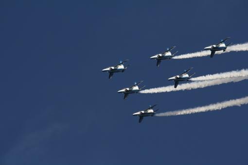 ブルーインパルス 青 空 ブルー 航空 飛行機 アクロバット