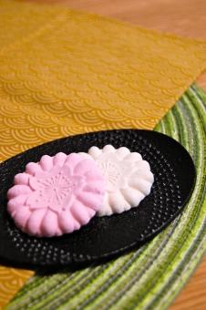 菓子 和菓子 砂糖 和三盆 砂糖菓子 お茶菓子 お茶受け おもてなし もてなし もてなす 日本 和 和柄 らくがん 落雁 さくら 桜 サクラ 南部鉄器 鉄器 食器 伝統