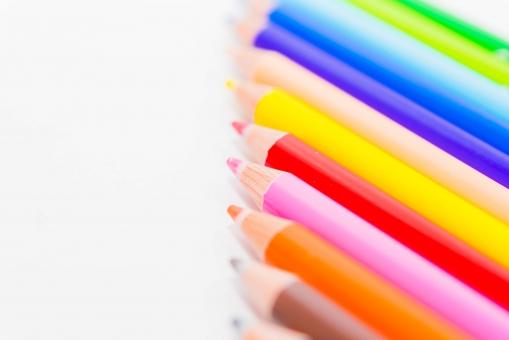色えんぴつ 塗り絵 絵 カラフル ペンシル ピクチャー カラー 鉛筆 筆記用具 絵画 芯 きれい 白バック かわいい ペイント