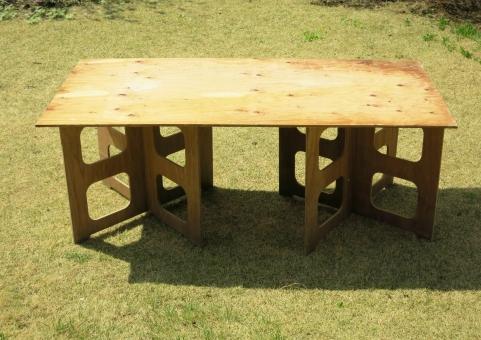 台 大工 木工 工作 準備 組立 パネル 脚 板 工事 作業 折り畳み 木 建築 趣味 日曜