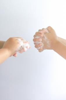 手 子ども 幼児 石けん 泡 手洗い 清潔 インフルエンザ 予防 ソープ ハンドソープ 2人 健康