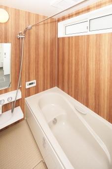 浴室 ユニットバス 湯船 バスルーム 住宅 住まい 建築 不動産 新築 インテリア 設備 水回り くつろぎ 風呂 シャワー 水道 室内乾燥 プラン 設計 金利 販売 見学 システム