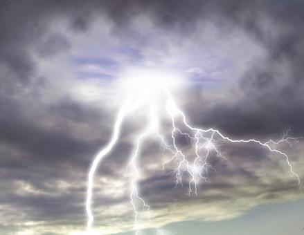 空 天気 自然 素材 背景 電気 光 バックグラウンド 気象 イメージ 地球 暗闇 電力 音 テクスチャ CG 雷 落雷 稲妻 放電 雨雲 稲光 電光 恐い 雲行き 恐怖 天気予報 台風 自然災害 雷雨 予報 レーダー ゴロゴロ バリバリ 上昇気流 雷雲 低気圧 寒冷前線 雷鳴 雷電 天気図 気象台 ピカドン 帯電 雷レーダー 雲放電 加工データ 熱雷 界雷 渦雷